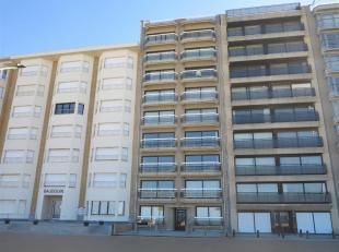 Residentie MERCATOR: op de Zeedijk, 6de verdieping, mooi lichtrijk en gemeubeld appartement, bestaande uit : een grote inkomhal met toilet en berging,