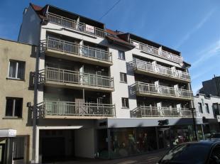 Residentie CONTENDER : in het centrum van Westende-bad, ruim, modern en ongemeubeld appartement gelegen op de 1ste verdieping met lift, bestaande uit