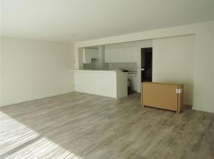 Zeer ruim en lichtrijk 2 slaapkamer appartement.<br /> Het appartement omvat een open leefruimte met aparte keuken, voorzien van alle comfort, ruime b