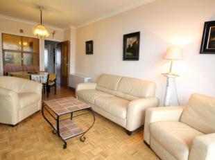 KRISTOF 0605Lichtrijk appartement met aparte slaapkamerbestaande uit:<br /> 2 terrassen (noord- en zuidgericht)<br /> Ruime, aparte keuken<br /> Grote
