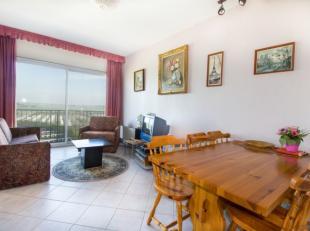 Lichtrijk 1 kamer-appartement met panoramisch verzichtbestaande uit:<br /> Zonnige living<br /> Open keuken<br /> Badkamer met douche<br /> Groot, zui