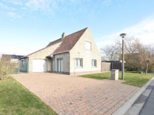 OPENHUIZENROUTE zaterdag 26/05 van 10u tem 12u Adres: Pemenhoek 75 NIEUWPOORT. Rustig gelegen villa op 592 m² met 3 slaapkamers en 2 badkamers. D