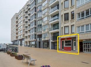 Handelseigendom gelegen op schitterende locatie te Oostende centrum. Deze handelszaak is perfect centraal gelegen, vlak aan de zeedijk en naast het Ca