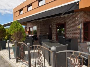 Hotel met privéruimte op commerciële en centrale ligging te Middelkerke. Het hotel bevindt zich nabij de zeedijk en bevat 9  slaapkamers m