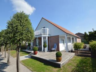 Deze villa is gelegen in  een kindvriendelijke straat te Torhout. De woning is tot in de puntjes afgewerkt en de tuin en oprit werden zeer onderhoudsv