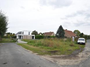 Residentieel en rustig gelegen perceel bouwgrond voor alleenstaande woning op 568 m² te Oostduinkerke. 2,5 km van de zee gelegen, op wandelafstan