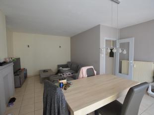 Lichtrijk appartement gelegen nabij het centrum van Middelkerke. Appartement omvat woonkamer, keuken, 2 ruime slaapkamers, badkamer met douche en toil