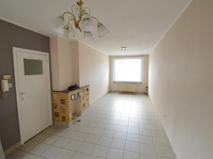 Appartement op gelijkvloers in Gistel met 2 slaapkamers en zeer ruime berging, verwarming op elektriciteit, ruime keuken en badkamer met douche, gemee