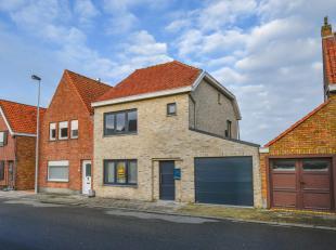 Volledig gerenoveerde woning te Oudenburg. Deze woning werd in 2010 volledig gerenoveerd door de firma Gedan. Ze omvat een zeer ruime leefruimte met e