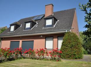 Op een zeer residentiële ligging, met ideale oriëntatie (terras en tuin op zuid/zuid-west) :INSTAPKLARE RUIME VILLA MET HEDENDAAGSE INRICHTI