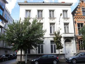 Te koop euro 690 000 Woning Kortrijk Rijselsestraat 24 424 m2 euro 3 433 444 kWh/m2 Deze voormalige dokterswoning is te renoveren maar biedt dankzij h