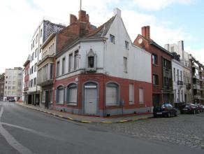 Te koop euro 240 000 HandelshuisKantoorruimteOpbrengsteigendomHandelsruimte Kortrijk Rijselsestraat 42 1 2 145 m2 1 006 kWh/m2 1 999 826 Opbrengsteige