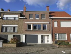 Te koop euro 275 000 Woning Kortrijk Azalealaan 5 1 3 294 m2 euro 1 117 469 kWh/m2 Deze bel-étage woning is rustig gelegen, op een boogscheut v