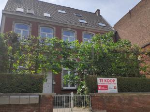 TE KOOP KORTRIJK  HERENWONING - Dit monumentale herenhuis ligt centraal gelegen in het hartje van Kortrijk. Verdeeld in 3 appartementen is dit de id&e