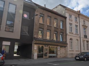 Goed gelegen handelswoning momenteel bestaande uit bakkerij met achtergelegen woning, loft en atelier.  Mooie façade en bestaande uit de bakker