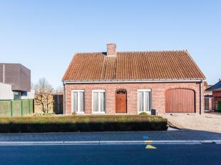Rustig gelegen alleenstaande woning op 1140m² (bouwjaar 91') met 2 slaapkamers (meer mogelijk). Ruime leefkeuken, badkamer met inloopdouche...tui
