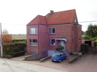 Grens Aalbeke-Rollegem. Grootse eigendom in alle opzichten, volledig gerenoveerde alleenstaande woning (+/-330m² bewoonbaar + kelderverdiep) op 2