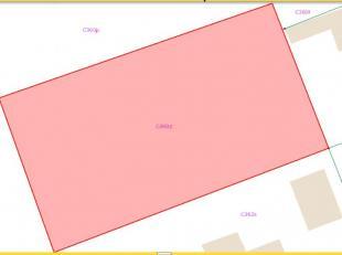 Mooie bouwgrond gelegen in een verkaveling met een grondoppervlakte van 695m2 . Voorschriften : HOOFDGEBOUW bouwhoogte : maximum 1 bouwlaag, dakverdie