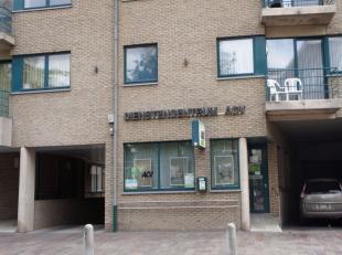 Rez-de-chaussée commercial 223 m² dans un superbe endroit de Zwevegem !Situation : centre de Zwevegem, rue principale/rue commerçan