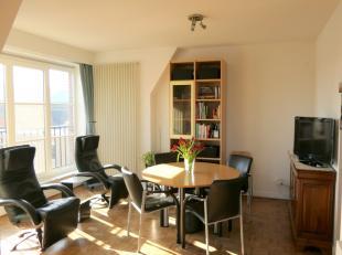 Op zoek naar een instapklaar appartement in hartje Kortrijk? Dit appartement ligt slechts op enkele stappen van de winkelwandelstraat en is toch bijzo