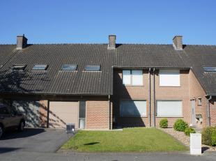 Welkom op de ERA Open Huizen Dag van 15/06 van 13u30 tot 14u30, zonder afspraak.Deze ruime woning vindt u terug in Stasegem (Harelbeke), dichtbij Zwev