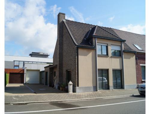 Handelspand met woonst te koop in Gullegem, € 290.000
