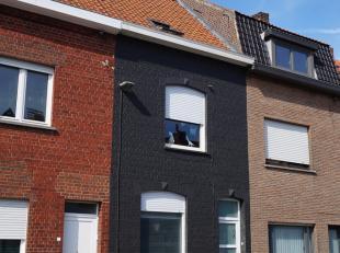 Deze leuke woning is gelegen op een top locatie. Op fietsafstand van centrum Kortrijk en station. Op een steenworp van het bruistende centrum van Heul
