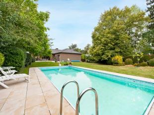 Bent u op zoek naar een naar een goed onderhouden villa in een groen en residentieel kader?Wij bieden u een woning met bijzonder veel potentieel aan.D