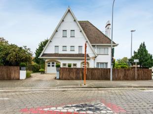 Exclusivité villa cottage dans un cadre résidentiel avec une façade majestueuse sur le sud de Kortrijk. Cette propriét&eac