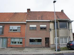 Maison de départ à rénover avec bonne accessibilité entre Zwevegem et Sint-Lodewijk (Deerlijk) !INDICATION : Le hall d'ent