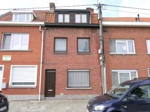 Bent u op zoek naar een ruime woning met potentieel?Deze woning situeert zich aan de rand van Kortrijk nabij Heule en Kuurne.Sta me toe jouw mee te ne