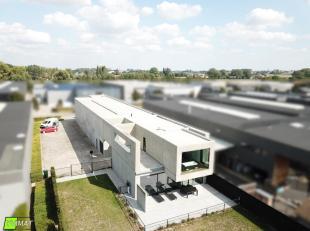 Gelegen in de KMO-zone heeft dit bedrijfsgebouw u heel wat te bieden. Het bedrijfsgedeelte bestaat uit een oppervlakte van ongeveer 375 m² en een