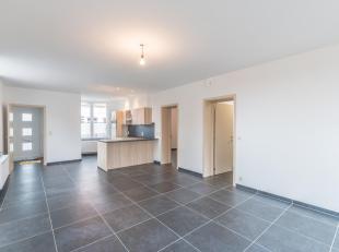 Nieuwbouw gelijkvloers appartement bestaande uit inkom met apart toilet, ruime en lichtrijke living, open ingerichte keuken, badkamer met inloopdouche
