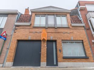 DOE EEN BOD ! Deze woning met 4 slaapkamers, garage, leuke tuin, kelder, zolder, open keuken en living zoekt een nieuwe eigenaar! Het dak werd 3 jaar
