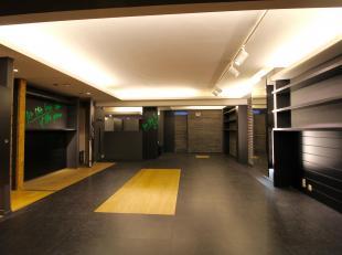 WOLUWE-SAINT-PIERRE - place Dumon (Stockel) - REZ COMMERCIAL de 200 m² idéalement situé dans une zone commerciale passante. A achet