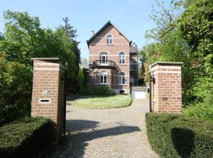 WEZEMBEEK-OPPEM à proximité immédiate de Tervuren, belle MAISON de 1930 (5ch3sdb) avec terrasse, jardin et garage.Elle se compoqe