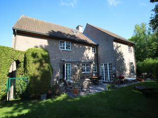 TERVUREN, beautiful VILLA (4ch / 2sdb) with a large garden of 8 acres. It consists of a large living room, a kitchen, 4 bedrooms and 2 bathrooms. PEB