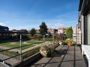 WOLUWE-SAINT-PIERRE, à proximité des commerces et du Parc de Woluwé, lumineux APPARTEMENT (3ch/2sdb) de 115m2 avec terrasse et ga