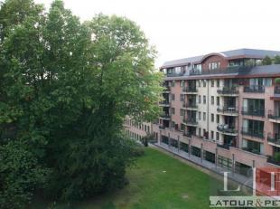 WOLUWE-SAINT-PIERRE, Proche du square Montgomery et du collège Saint-Michel. Très beau PENTHOUSE (3ch/2sdb) de 130m² avec terrasse