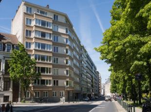 ETTERBEEK, surplombant le Parc du Cinquantenaire, magnifique appartement (2ch/1sdb/GARAGE) situé au 4ème étage d'un immeuble bien