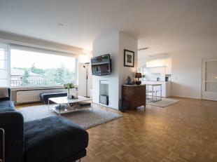 COMPOSITION:<br /> - Hall avec vestiaire, toilettes visiteurs, espace buanderie ;<br /> - Séjour sur 50m², espace salon et salle à