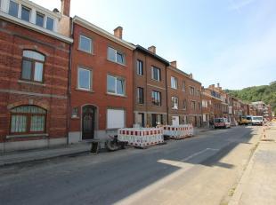 JAMBES - Maison entièrement rénovée (4ch/2sdb) à quelques minutes du centre de Jambes et du bord de Meuse. Elle se compose