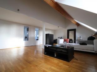 IXELLES, idéalement situé au Châtelain. Bel APPARTEMENT DUPLEX (1ch/1sdb) de 90 m² avec terrasse. Situé au 3e é