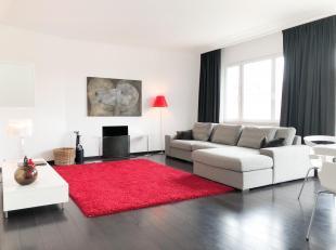 """Proximité ULB - superbe appartement """"MEUBLE"""" de style contemporain +/- 110 m²  situé au 4° étage - beau hall d'entr&eacu"""