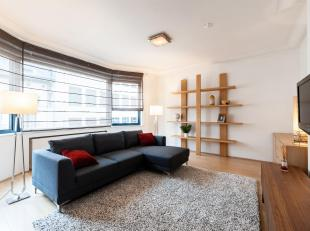 BRUSSELS, located in the district of Sablon. Superb TRIPLEX furnished (2ch / 2sdb + office) of 140sqm with terrace of 38sqm. Located on the 3rd and la