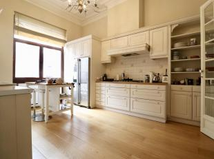 BRUSSELS, European Quarter. Magnificent Master House from 1895 (5CH/1BUR/3SDB) of 367sqm with terrace and garden. It consists of an entrance hall with