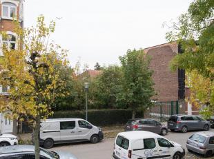 ANDERLECHT, in de onmiddellijke nabijheid van alle faciliteiten en gelegen in een verkeersluwe straat: prachtige BOUWGROND met een gevelbreedte van<br