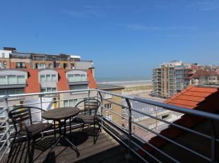 Dit appartement is een absolute droom als uitvalsbasis aan zee! Met een aangenaam ruim terras vanwaar we bijna frontaal zeezicht genieten en bovenal e