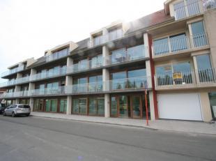 Zéér knap appartement met 2 slaapkamers, gelegen in de nieuwbouwresidentie Waterkant te Nieuwpoort-Stad. Dit appartement is aan de zonne