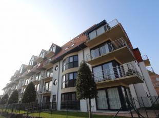 Zeer ruim, lichtrijk, bemeubeld en knus afgewerkt duplex-appartement met 3 slaapkamers te huur op jaarbasis. Uitermate zon-georiënteerd, waardoor